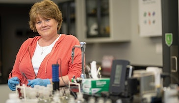 Many people helped Shelly Higdon advance in her career. Now she takes time to pay it forward.